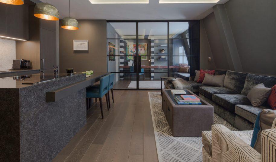 Roselind Wilson Design Eastcastle Street Family bathroom