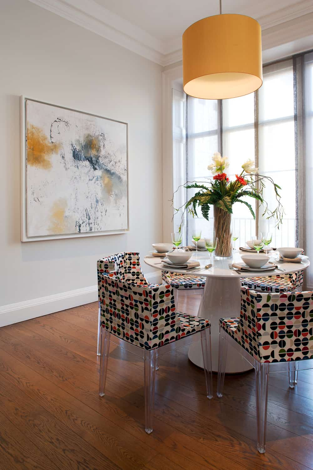 decorating with flowers in this modern colour pop dining area