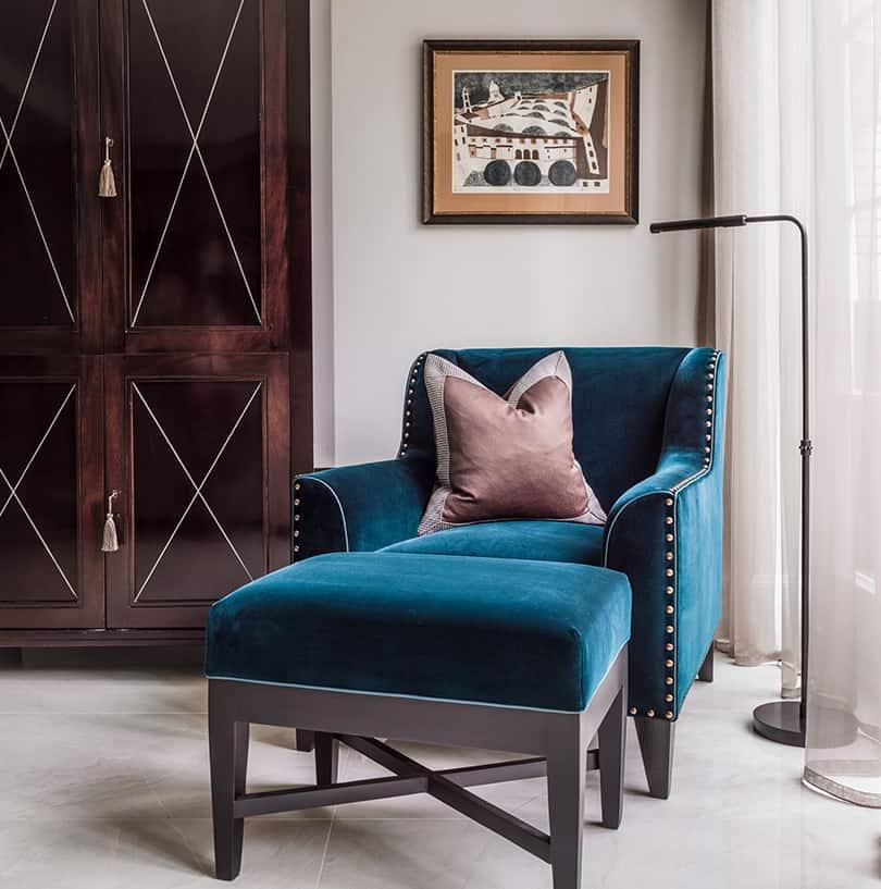 Luxury interior design reading corner by roselind wilson design