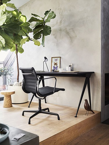 vitra black aliminium desk chair